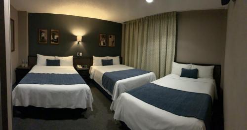 3 camas en habitación familiar